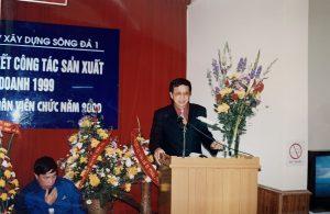 3.3 Hoi nghi tong ket cong tac SXKD 1999 (3)